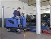Balayeuse autoportee Nilfisk Alto Floortec R 670 batterie chargeur