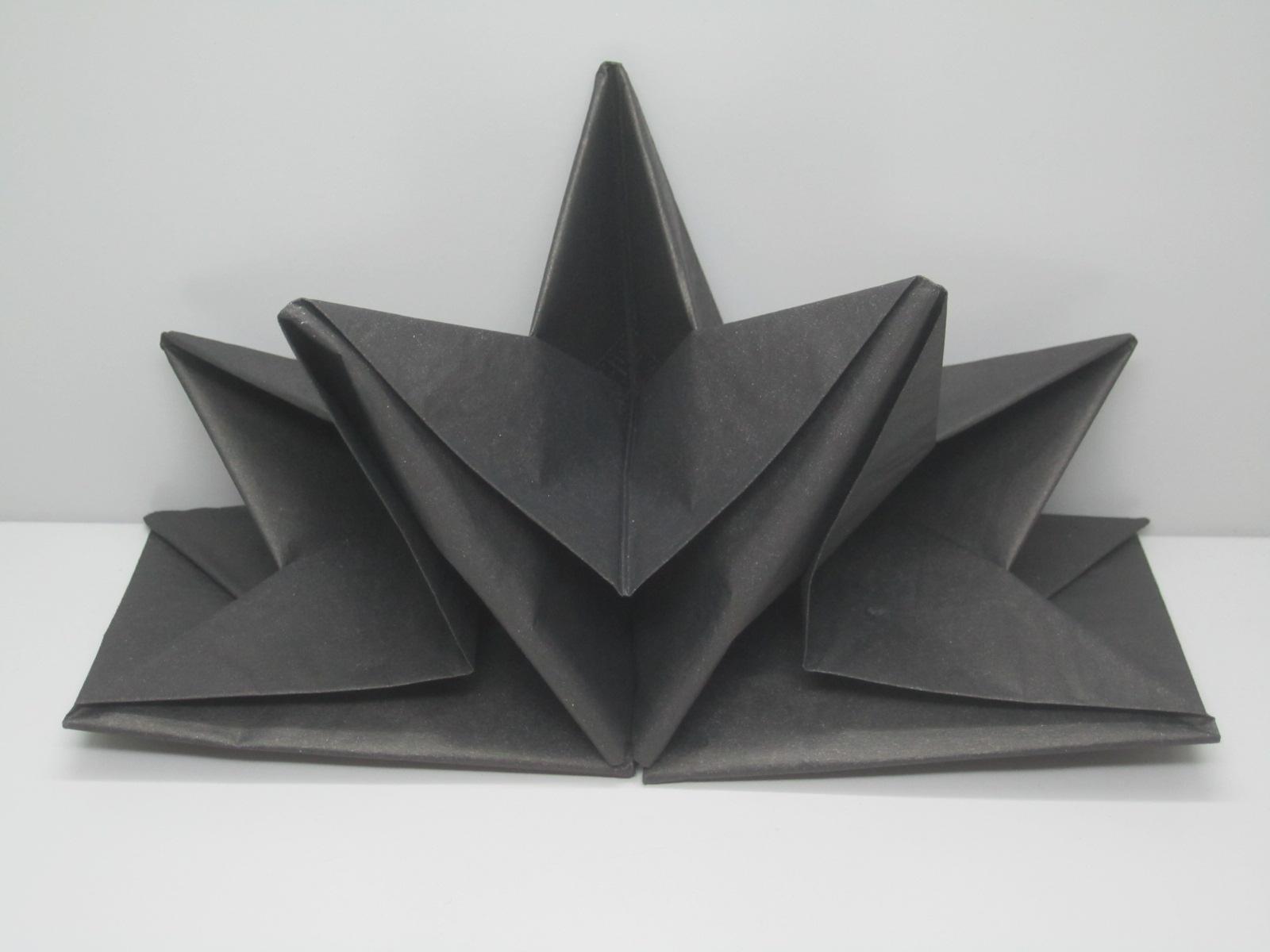 Serviettes En Papier Originales serviette papier prepliee pliage etoile noire etui de 12