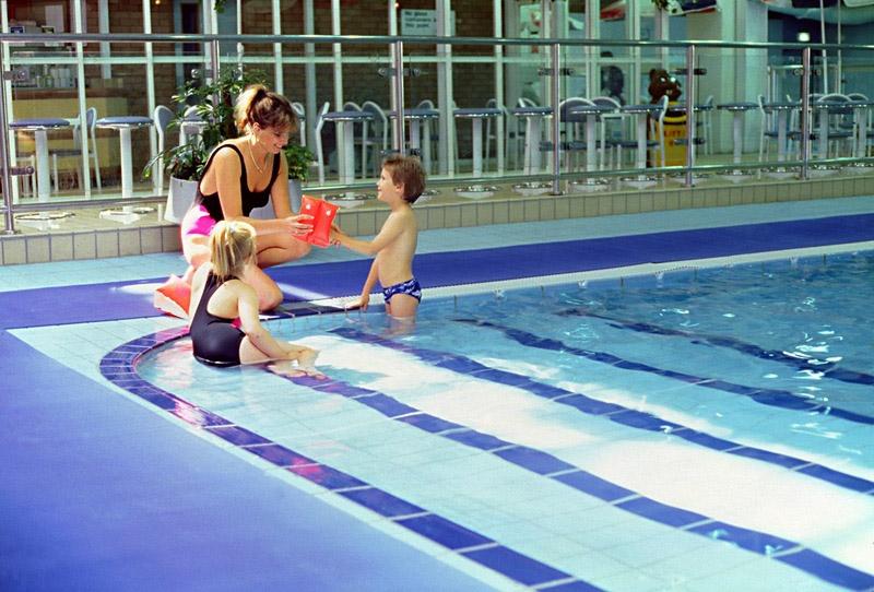 Tapis sol antiderapant piscine 3m for Piscine 3m