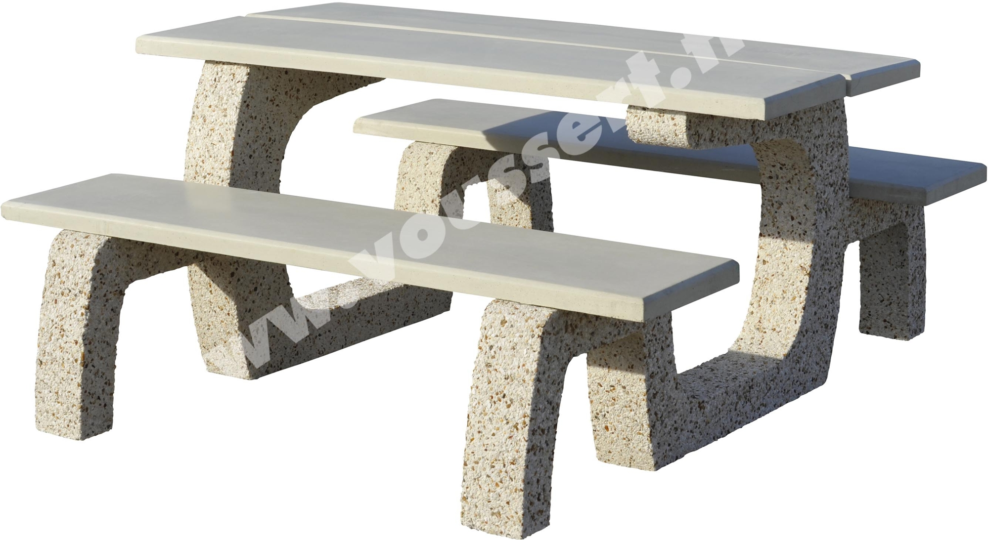 Table d 39 ext rieur en b ton praprika lav auvergne for Table exterieur beton