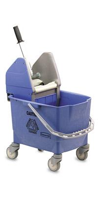 Chariot de menage rubbermaid combo bravo 25 l bleu avec presse for Chariot de menage rubbermaid